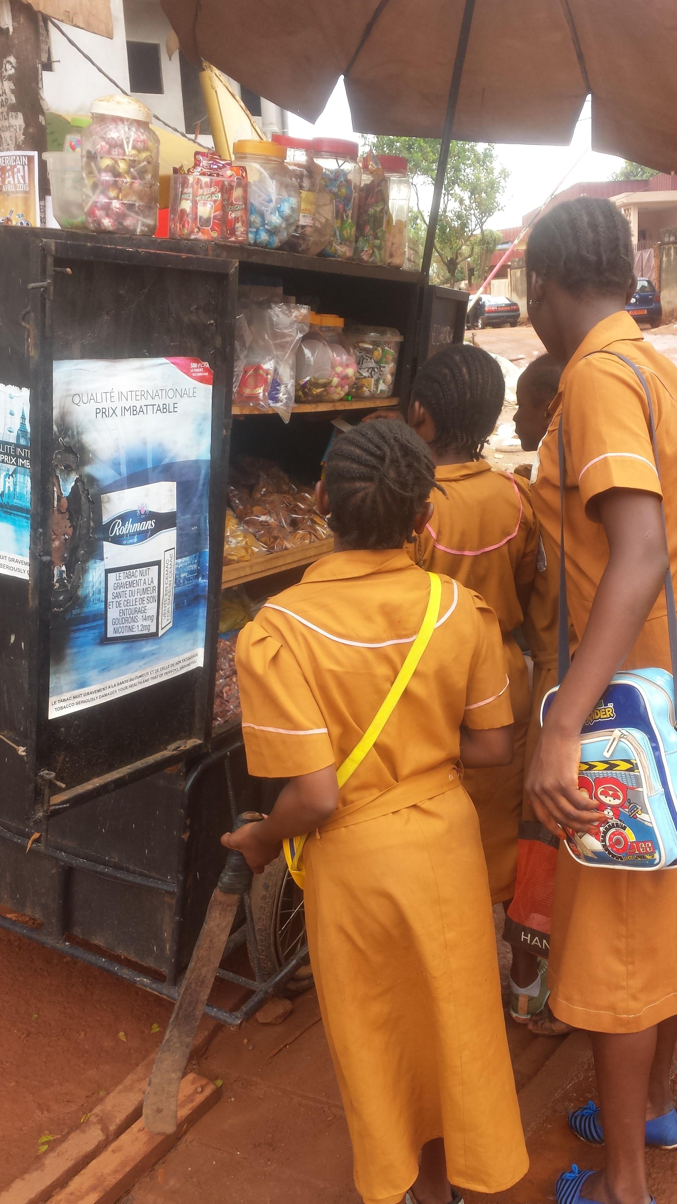 Affiche publicité tabac Lycée Bilingue de Yaoundé